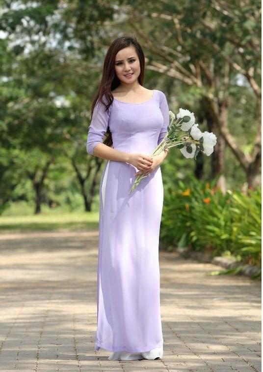 Explore IADOA: Custom Ao Dai for vietnamese women. We're changing the way women buying Ao Dai. Shop Ao Dai.