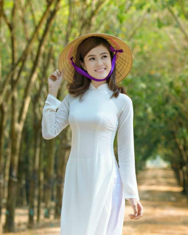 [Image: ao-dai-vietnam-online-shop-student-ao-dai-in-white.jpg]