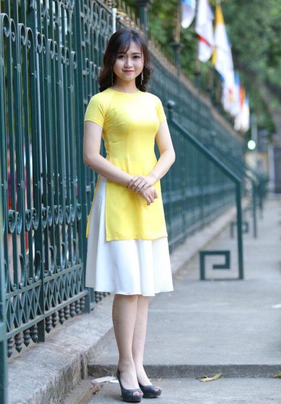 Modern Ao Dai Designs Yellow White Silk Short Skirt