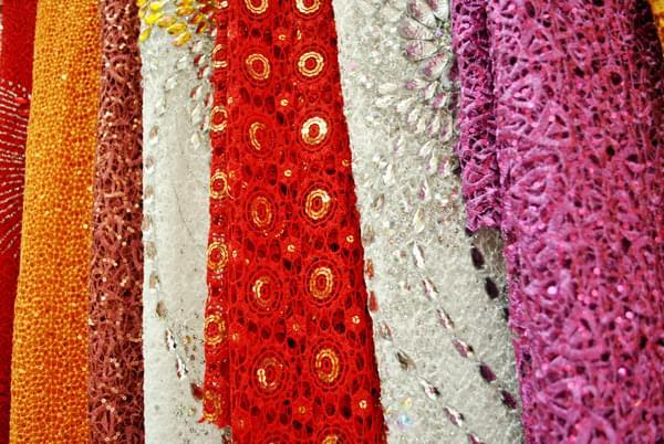 choose suitable ao dai fabric lace